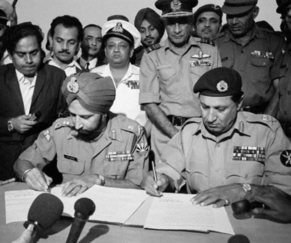 Surrender-of-Pakistani